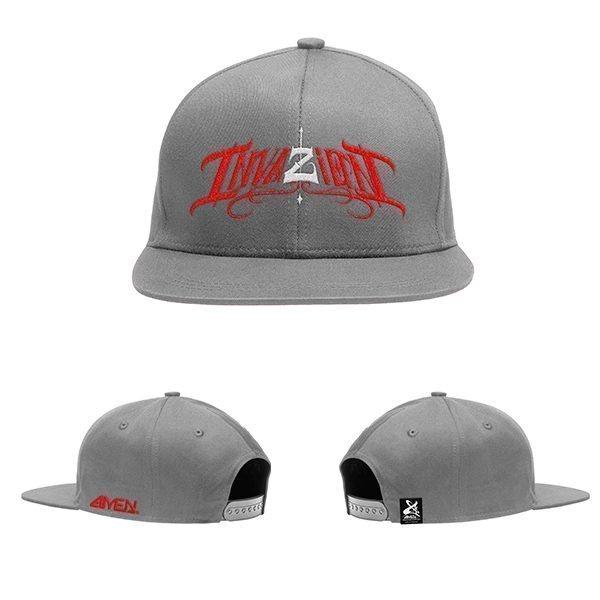 Invazion-gorra-gris-logo-rojo-y-blanco