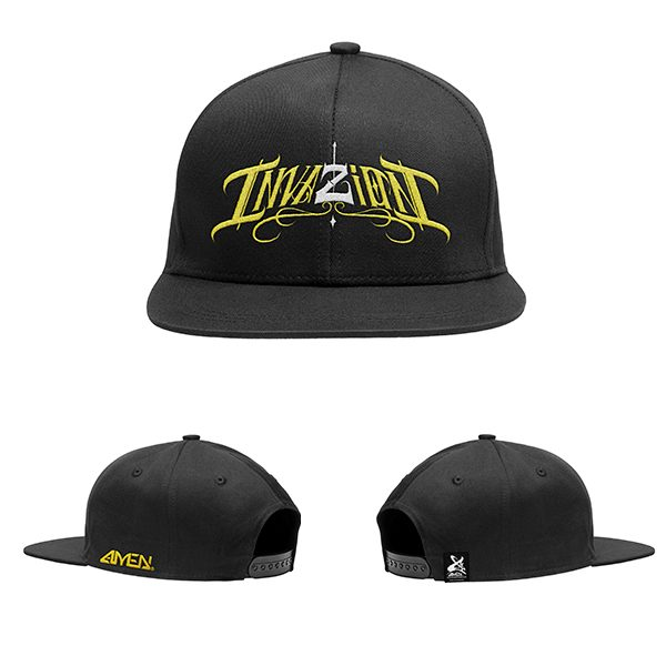 Invazion-gorra-negra-logo-amarillo-y–blanco