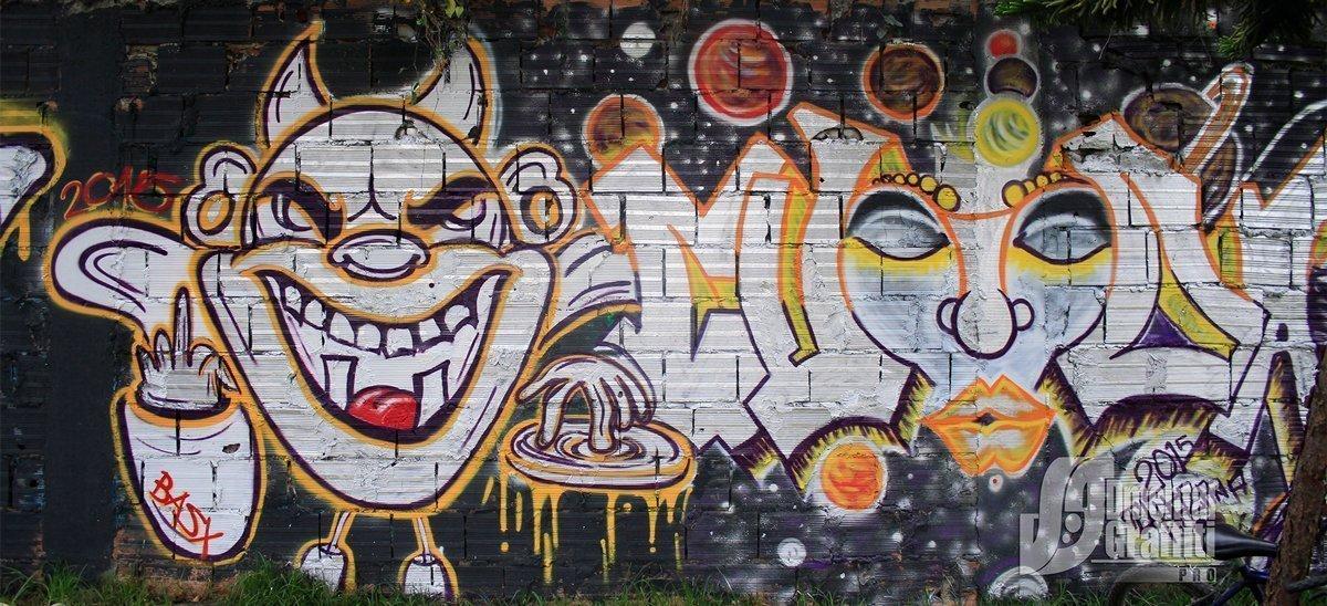 6-AUN-2015-GRAFFITI